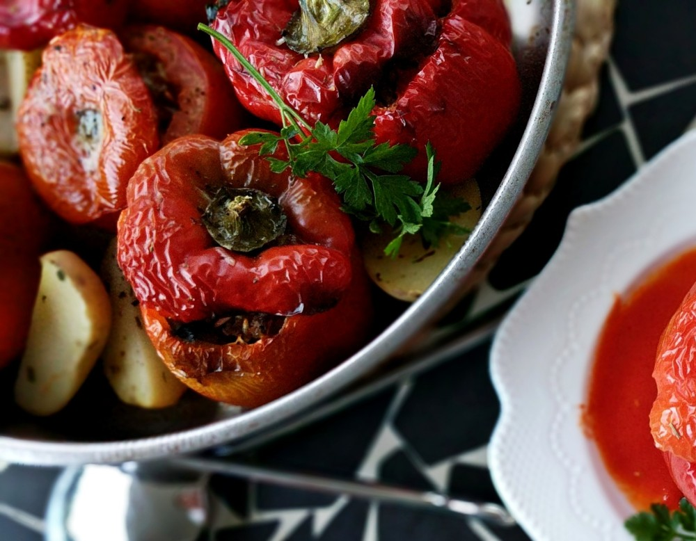 yemista - tomatoes and capsicum stuffed - γεμιστα
